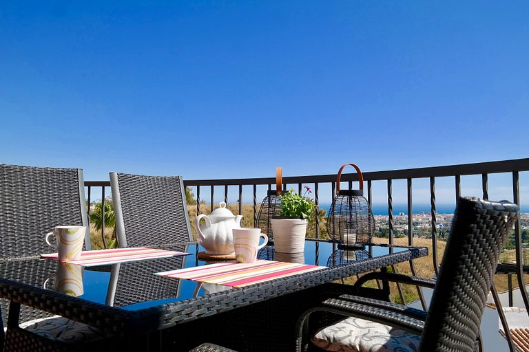 AMAZING VIEWS HOLIDAY HOME AT EL PORTON DE MIJAS