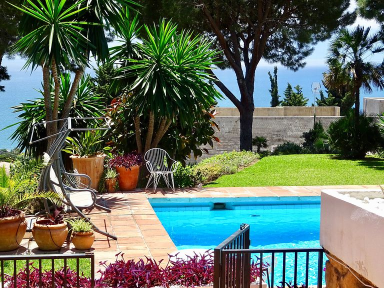 El Higueron La Capellania Holiday villa with pool - jacuzzi
