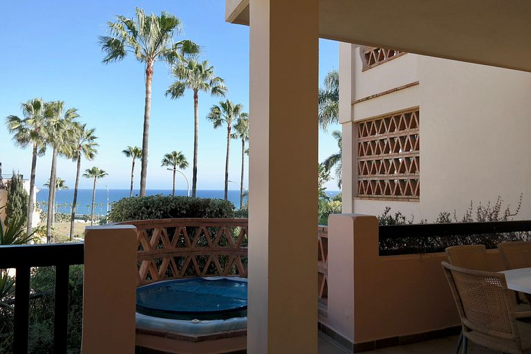 Luxurious apartment with sea view and 2 jacuzzi. Santa Cruz