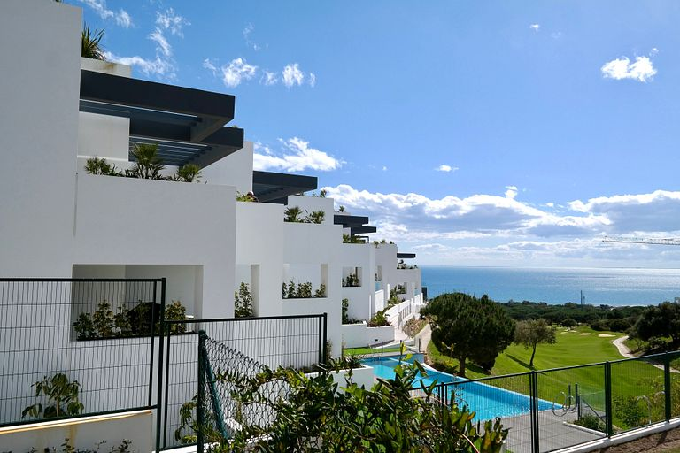 LUXURIOUS VACATIONAL HOME WITH 3 BEDROOMS AND POOL MARBELLA